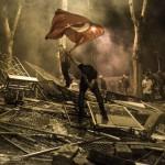 İstanbul Gezi Parkı protestoları esnasında biber gazına maruz kalan protestocunun etkileyici bir fotoğrafı | Daniel Etter / 1 Haziran 2013