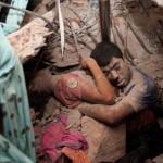 Bangladeş'deki 8 katlı Rana Plaza'nın çöküşü sonrası çekilen tüyler ürpertici fotoğraf | Fotoğraf: Taslima Akhter / 24 Nisan 2013